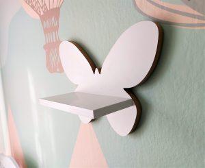 Motylek półka drewniana